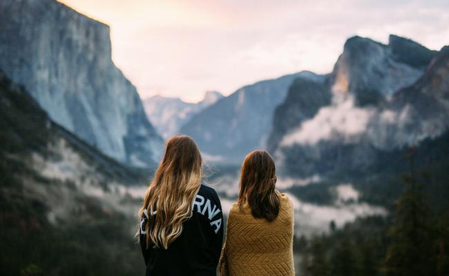 5 Christian Authors Inspiring Women