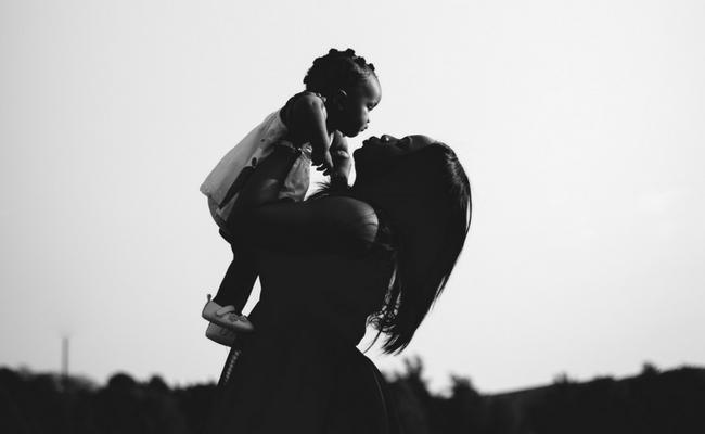 10 Heartwarming Bible Verses for Mom
